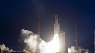 La Universitat de València investiga cristales de sonido para silenciar el despegue de cohetes